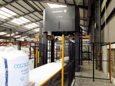 Sistema Embalaje Stretch hood instalado en Colorobbia