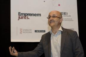 Juan Antonio Bertolín. Moderador Plenario Enrédate Castellón 2011