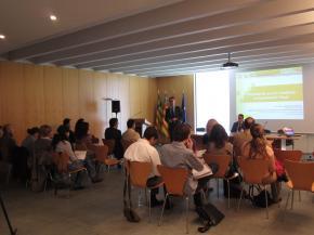 Presentación de la jornada por Justo Vellón, Director de ceei castellón