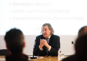 """Carlos Fernández. Jornada """" I+D+i=S : Patent Box y deducciones fiscales para empresas innovadoras """""""