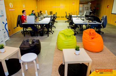 GeeksHubs zona trabajo