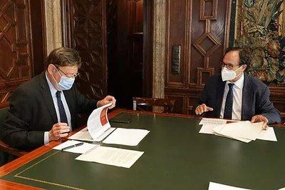 El presidente de la Generalitat, Ximo puig, se reúne con el conseller de Hacienda, Vicent Soler.